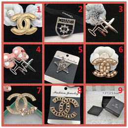 Wholesale jewelry box glass top - Wholesale Price ! TOP!Brand 14K Gold Silver brooch Pearl Diamond Corsage Classic Letter Logo Collar Pin Party Wedding Jewelry Box AAA7