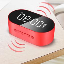 Réveil flash en Ligne-2019 P1 Bluetooth Réveil Haut-Parleur Affichage À LED Miroir Numérique Avec Aux TF Carte USB Disque Flash FM Home Office Portable HIFI Haut-Parleur