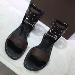 Wholesale perfect heels - Newest Luxury Brand Women designer shoes Print Leather Sandal Striking Gladiator Style Designer Leather Perfect Flat Canvas Plain Sandal Si