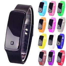 2019 relógio de borracha exibido LED relógio de pulso praça de discagem display digital geléia das mulheres dos homens de borracha de silicone tela de toque digital relógios pulseira relógio de pulso bom presente relógio de borracha exibido barato