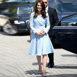 2019 vestido de la pista de la rodilla Runway Otoño Invierno Ropa Vestido de mujer Kate Middleton Diseñador Femenino Cinturón Hasta la rodilla Delgado Una línea Vestidos Elegante Vestido rebajas vestido de la pista de la rodilla
