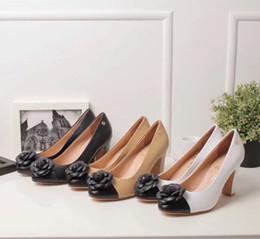 Top qualité luxe lettre fleurs chaussures à talons hauts pantoufles pantoufles en cuir d'agneau mode femme talons hauts chaussures habillées 35-41 avec boîte ? partir de fabricateur