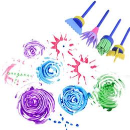 Fiori disegnati online-4 pz 1 set Bambini FAI DA TE Pennello Fiore Timbro Bambini Spugna Graffiti Disegno Art Graffiti Spazzole Giocattolo Educativo KKA6164