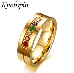 Бижутерия обручальные кольца онлайн-6 мм мужские плоские кольца цирконий инкрустация Радуга обещание обручальные кольца золотой тон нержавеющей стали мужчины ювелирные изделия костюм аксессуары