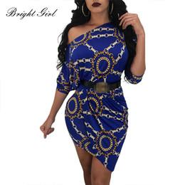 BRIGHT GIRL Frauen Sexy Kleid Sommer Kausalen Kleider Für Damen Kette Print Slash Neck Kleid Mini Party Vestidos Weibliche Kleidung von Fabrikanten
