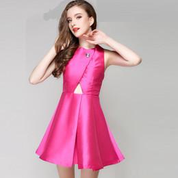 Berühmtheit kleidung stile online-Sommer Sexy Club Kleider Kurz Aushöhlen Backless Overall Ärmellose Celebrity Abendkleider Korean Style Damen Kleidung 2 Farben