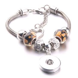 monili del branello del tasto Sconti 2018 nuovo braccialetto fai da te argento amore ciondolo e amore perline perline perline catena braccialetti misura 18mm con bottone a pressione gioielli A48-1