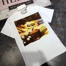 Wholesale beauty shorts - 18SS Cartoon Sleeping Beauty Print Tee Simple Fashion Men Women Solid Short Sleeves Summer Street Skateboard Casual Loose T-shirt HFYMTX0103