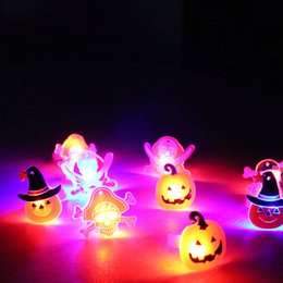 2019 divertenti doni elettronici Bambini Cartoon LED lampeggiante Light Up incandescente anello elettronico di Natale Halloween Baby Fun Toys Regali QW8546 divertenti doni elettronici economici