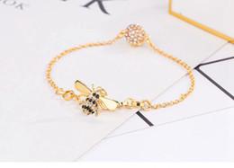 braceletes indianos do dedo Desconto Delicate Abelha Pulseiras Mulheres Diária Cadeia de Acessórios de Moda Com Ímã de Design de Abertura de Ouro Linda Corrente de 30% de prata