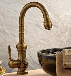 2019 torneiras antigos vintage Vintage Antique Brass Monocomando Pia Da Cozinha Bica Giratória Torneira Misturadora Torneira Csf001 desconto torneiras antigos vintage