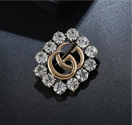 Wholesale girl suits for wedding - 2018 IMultistyle Rhinestone Pearl Luxury Brand DesignerBrooch Pin Letter C Suit Lapel Pin for Women Girls Jewelry Accessories GiftA1