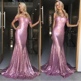 Noite drapeado vestidos de ombro on-line-2018 Sparkly Rosa Lantejoula Vestidos de Baile Fora Do Ombro Vestidos De Festa Drapeado Longos Vestidos de Noite Para As Mulheres Ocasião Especial Vestido