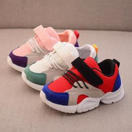 2cdac3b22119f Nouveau Printemps Automne Bébé Casual Chaussures Enfant En Bas Âge Garçons  Filles Mesh Respirant Sportif Chaussures Sneakers De Mode pour Petits  Enfants