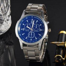 Style européen et américain d'explosion entreprise montre en alliage d'explosion de mode montre-bracelet en alliage ? partir de fabricateur