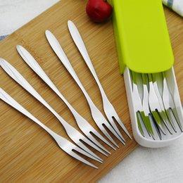 Caixa de armazenamento de cozinha on-line-1 Conjunto De Aço Inoxidável Bolo De Sobremesa Fruta Garfos Faca Peeler Com Caixa De Armazenamento Dinerware Set Salada Ferramenta Acessórios de Cozinha