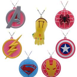 lampwork murano vetro perline animali Sconti New fashion Spedizione gratuita The Avengers PVC Collana di cartone per la decorazione della bambola giocattolo per i bambini