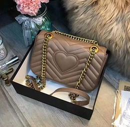 Сумки с сердечком онлайн-Ladies Luxury Brand V Shaped Heart Clutch Bag Chain Crossbody Clutch Bag Плечевой ремень Сумка Сумка Сумка Сумка Сумка 23cm