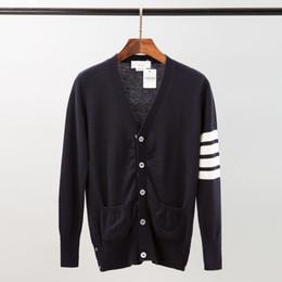 Canada T-shirt de haute qualité en maille de laine pure 5-BUCKLE à capuchon blanc avec armature à 4 barres Cardigan à rayures et à manches longues pour hommes cheap pure wool sweaters Offre