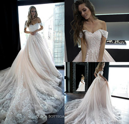 2019 Olivia Bottega Country Abiti da sposa con spalle scoperte in pizzo Appliques Perle A Line Light Pink Beach Abiti da sposa Boho Robes De Mariée cheap light pink bridal da sposa rosa chiara fornitori