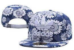 Nouvelle vente chaude ad ball capes de mode casquette de baseball lettre broderie Snapback réglable Snapbacks femme dame chapeaux golf sport soleil chapeau casquette ? partir de fabricateur
