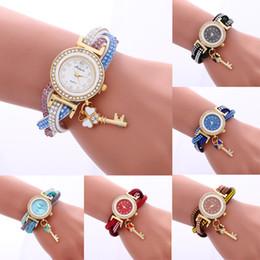 Le nuove donne di stile avvolgono intorno il trasporto di goccia all'ingrosso dell'orologio della signora Womans del braccialetto del diamante del lucchetto di modo da