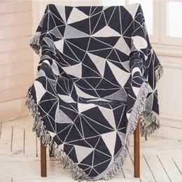 Sofá gris negro online-Cojín de sofá de punto gris blanco negro Manta de cuadros para sala de estar Tira sobre sofá / cama / plano 130 * Manta Cobertor de 180 cm