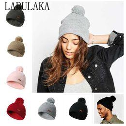 beanie fashion pompon Sconti Moda donna cappelli invernali caldi con pompon Beanie Autunno tinta unita lana pompon cappello pompon con flangia capa testa morbida