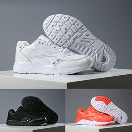 Wholesale cheap adult shoes - 2018 cheap Reebok Reebok Bolton Brand Men Sport Shoes Lover's Casual Shoe Adult designer Sneakers Running Shoes 40-45