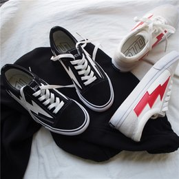 Wholesale Flame Fabrics - 2018 new Revenge X Storm Old Skool Skateboarding Shes Flame Vanse Mens Womens Fashion Casual skate shoes,Retro Sports Running Boots
