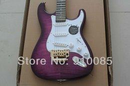 Chitarre viola online-Spedizione gratuita CALDO! Alta qualità Ameican standard ST Purple Tiger Maple TOP Chitarra elettrica Con vibratore floyd in stock