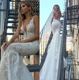 Wholesale plus size couture wedding dresses - 2018 Modern Pallas Couture Mermaid Wedding Dresses Plunging Neck Backless Lace Bridal Gowns Plus Size robe de mariée Beach Wedding Dress