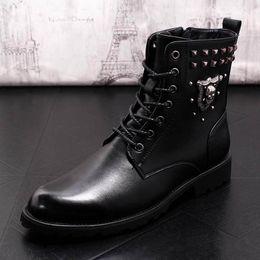 9bd5bf7973345c schwarze stiefel schädel Rabatt ERRFC Neue Ankunft Luxus Männer Schwarz Martin  Stiefel Mode Forward Nieten Schädel