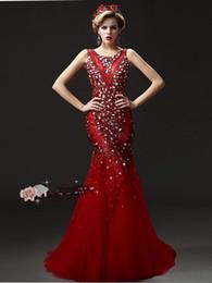 diamante vermelho vestidos de baile Desconto Plus Size Vestidos de Noite Luxo Cauda Manual Pesado Prego Bead Prom Dresses Champagne Vermelho - New Diamond Halter Ombros Vestidos de Festa DH029