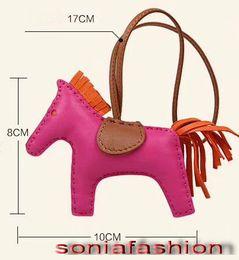 Yeni sıcak moda kadın çanta dekorasyon tasarımcısı hakiki deri el yapımı at kadın çanta charms ücretsiz kargo nereden el çantası yapımı tedarikçiler