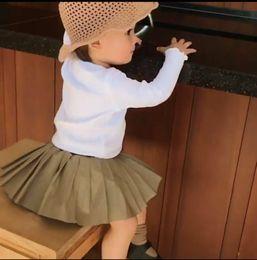 2019 vestito del maglione del bambino Baby Coats 2018 Neonato Maglione sottile Giacca a maglia Manica lunga Una fila di bottoni Fungo nero Bordo Cardigan Cappotto caldo di cotone Abiti vestito del maglione del bambino economici