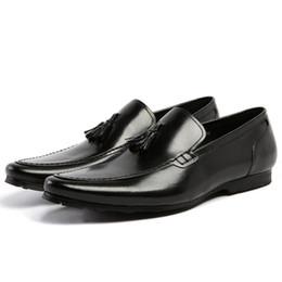 Loafer stilvolle beiläufige schuhe online-Neue stilvolle Mann-Quasten-beiläufige Mokassin-Schuh-echtes Leder-bequeme Müßiggänger-runde Zehen-Entwerfer-Männer, die Ebenen AS37 fahren