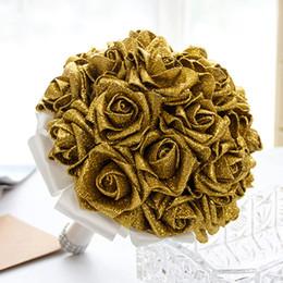 flores de novia de oro rojo Rebajas Boda de oro Ramos de novia con flores hechas a mano Lentejuelas Rosa roja Suministros de novia Novia con broche de ramo CPA1586