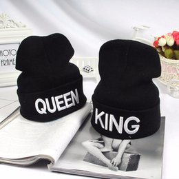 Königin beanies online-Winter Warm Knitted Hats Caps Couple King Queen Letter Embroidery Black Knitted Caps Hats Casual Unisex Skullies & Beanies B119
