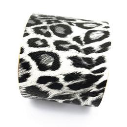 Imitaciones joyas online-2018 Nueva imitación de cuero brazalete estampado de leopardo pulseras boca ancha moda estilo sudamericano brazalete para las mujeres fábrica de joyería al por mayor