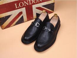 2019 männliche modelle freizeitschuhe Europäische Art-echtes Leder-Abendschuhe Art und Weisemann-Freizeitschuhe klassische männliche vorbildliche beiläufige Schuhe, die Geschäftskleidschuhe fahren. günstig männliche modelle freizeitschuhe