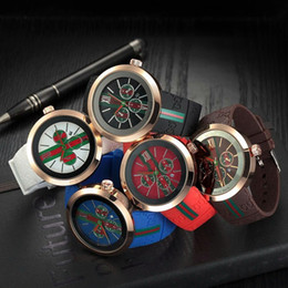 Wholesale Military Watches Strap - 2018 AAA fashion casual men and women watches luxury brand business neutral quartz watch high-quality rubber strap sports military watches