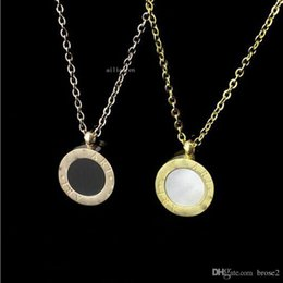 Wholesale Ms Roses - Factory price direct foreign trade black and white double-sided shell necklace round necklace Ms. rose gold chain