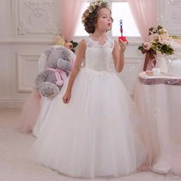 2019 vestido de chá de tule roxo Varejo de Alta Qualidade Bordado Flor Pescoço Meninas Elegantes Vestido De Casamento Com Arco de Strass Cinto Meninas Partido Longo Vestido LP-63