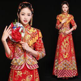 vestidos asiáticos vermelhos Desconto Oriental asiático noiva beleza chinês tradicional vestido de noiva mulheres red floral manga comprida bordado estilo cheongsam robe qipao