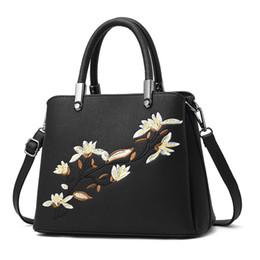 4da655918d20 женские сумочки braccialini Скидка PAITIANLE 2018 китайская вышивка  искусственная кожа Женщины сумки на ремне чешские дамы