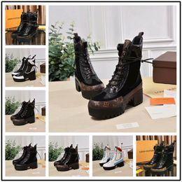 Canada 23 style Nouvelle marque de luxe en cuir production tête ronde de haute qualité bottes mode Martin bottes à talons à lacets dames b cheap lace up tassel boots Offre