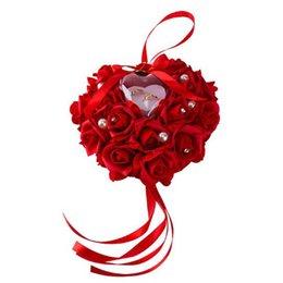 Bague de rose en plastique en Ligne-1 Pc jolie Faveurs de mariage en forme de coeur Oreiller Oreiller avec boîte à bagues en plastique Rose fleur strass Perle porteur Bearing Coussin