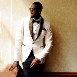 abiti d'argento per prom Sconti Abiti uomo bianco floreale per abiti da sposa Modello oro Scialle con risvolto Smoking personalizzati Abito aderente sposo aderente Prom Giacca uomo + giacca migliori