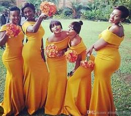 Vestidos de hombro amarillo online-2018 Nuevo Amarillo Fuera del Hombro Vestidos de dama de honor Longitud del piso Satén elástico africano por encargo Maid of Honor Gown BM0178